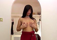Lelani Tizzie is a tempting MILF, fingering her sweet wet pu