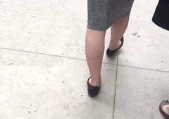 Delgada culo blanco enorme jiggle en vestido vpl 2
