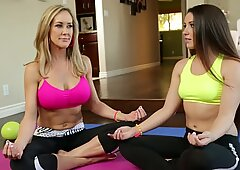 Brandi Love teaching Lola Foxx how to do yoga
