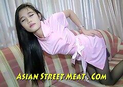 High Class Thailand Girlie verpackt kuttig