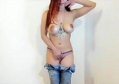 Tetona rusas chica de la cámara se masturba en webcam
