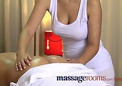Salas de masaje naturales tetas grandes masajista ofrece un horario especial
