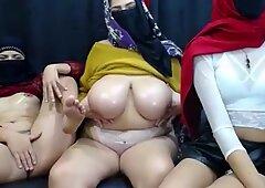 Musulmanes con pequeño coño y bbw (gordas ricas) musulmanes con big boobs