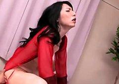 Sex gierig japanisch milf yukari reitet notgeil kumpel im cowgirl style