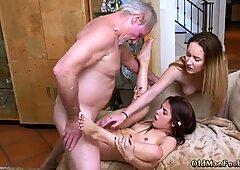 Old Rusas Abuelitas y Hombre Fuck Jovencita en la Cocina Maximas Errectis - Gigi Flamez