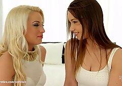 Taylor Sand und Anastasia in Wollüstig Lesbisch Gig geschlagen