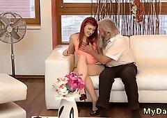 Alter MANN doppelt unerwartete Praxis mit einem älteren Gentleman