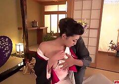 Yuna Shiratori Desnudos para la verga y folla como una reina - más en Japanesemamas Com