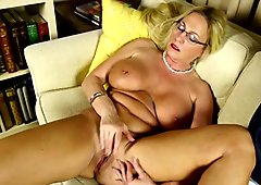Old but still hot perfect mature mom