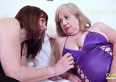 Oldnanny britisch reift lesbisch titten und muschi