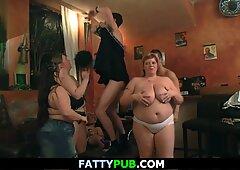 Riesige Brüste BBW Gruppensex im Club