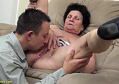 72 años Peludas Abuelitas Salvaje follada