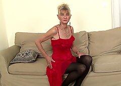 Oma hart gefickt in arsch von schwarz bekommt sie creampie