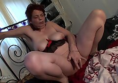 AMATEUR ALTE MAME Squirting
